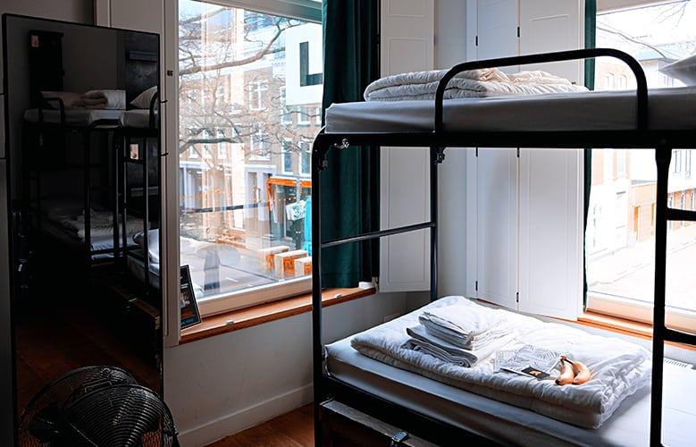 Foto en el interior de un albergue en Rotterdam