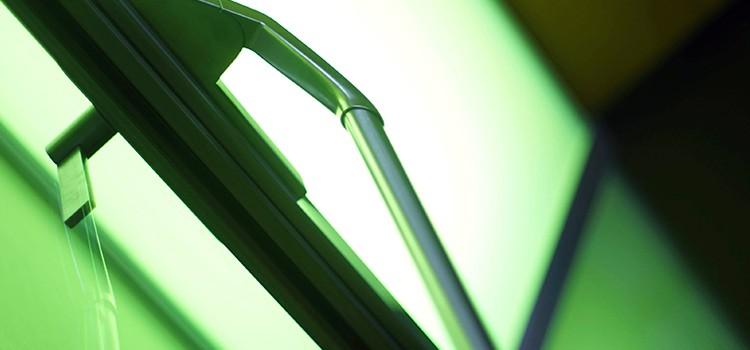 Detalle de escaleras de diseño en el hotel Inffinit de Vigo