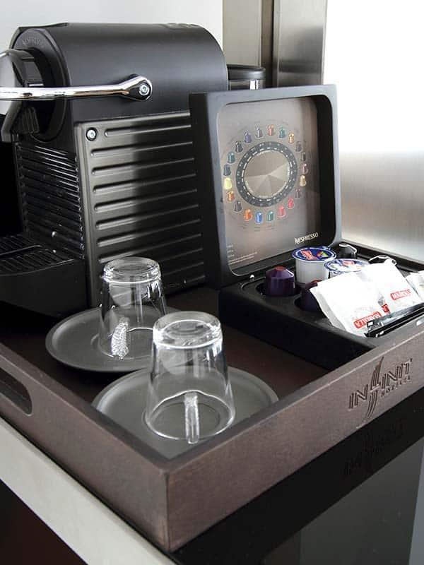 Cafetera Nespresso en Habitación del hotel Inffinit de Vigo